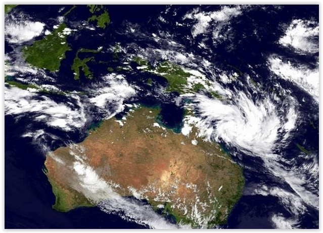 Cyclone Debbie predicted to hit north Queensland on weekend